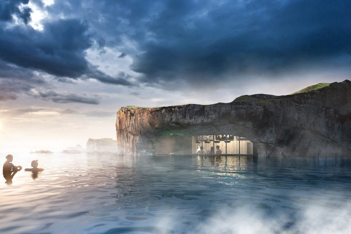 Khu hồ nước nóng này có tên là Sky Lagoon nằm ở cảng Karrsnes, Kopavogur, cách thủ đô Reykjavik 5 phút di chuyển. Đến đây du khách không chỉ nghỉ dưỡng, thư giãn đơn thuần mà còn được ngắm cảnh biển Đại Tây Dương, những hoàng hôn rực rỡ, cực quang cũng như bầu trời đêm tĩnh mịch hiếm có.