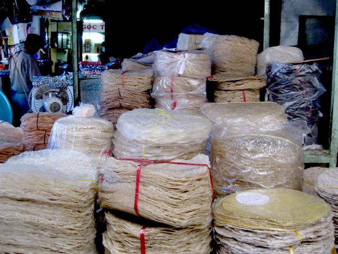 Bánh tráng nước dừa Tam Quan. Ảnh: yesvietnam.