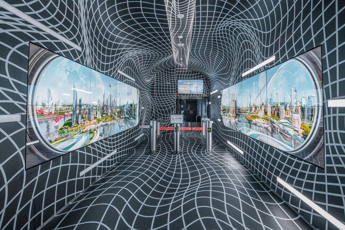 Lối đi trong tòa nhà được thiết kế như một đường hầm dẫn vào nhiều không gian khác.