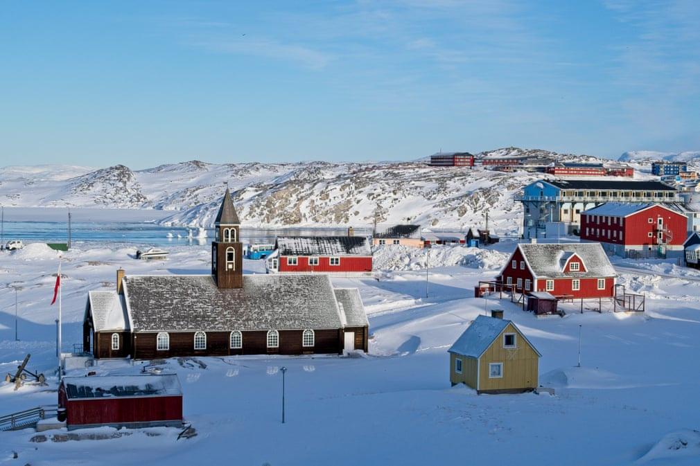 Thành phố Ilulissat nằm bên bờ biển phía tây Greenland, cách phía bắc vòng Bắc Cực hơn 350 km tính từ vịnh Disko. Nhà thờ Zion ở đây được xây dựng vào cuối thế kỷ 18. Đây là công trình nhân tạo lớn nhất nơi này vào thời điểm đó.