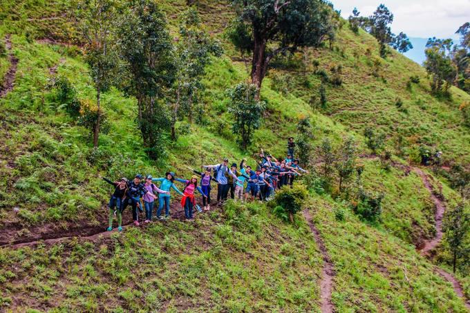 trekking-ta-nang-mua-co-phu-xanh-ca-ngon-doi-iVIVU-11
