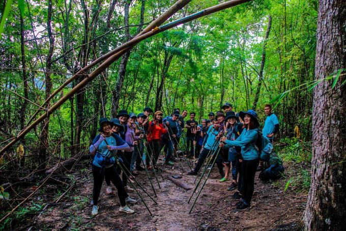 trekking-ta-nang-mua-co-phu-xanh-ca-ngon-doi-iVIVU-4