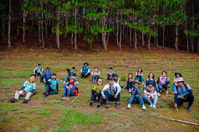 trekking-ta-nang-mua-co-phu-xanh-ca-ngon-doi-iVIVU-5