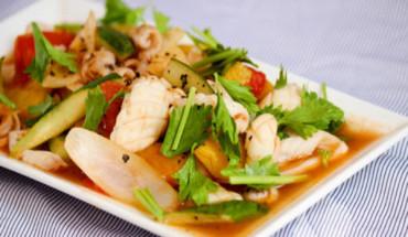 30-phut-co-ngay-mon-muc-xao-rau-cu-thom-ngon-nguoi-ken-an-cung-phai-xieu-long-ivivu-1