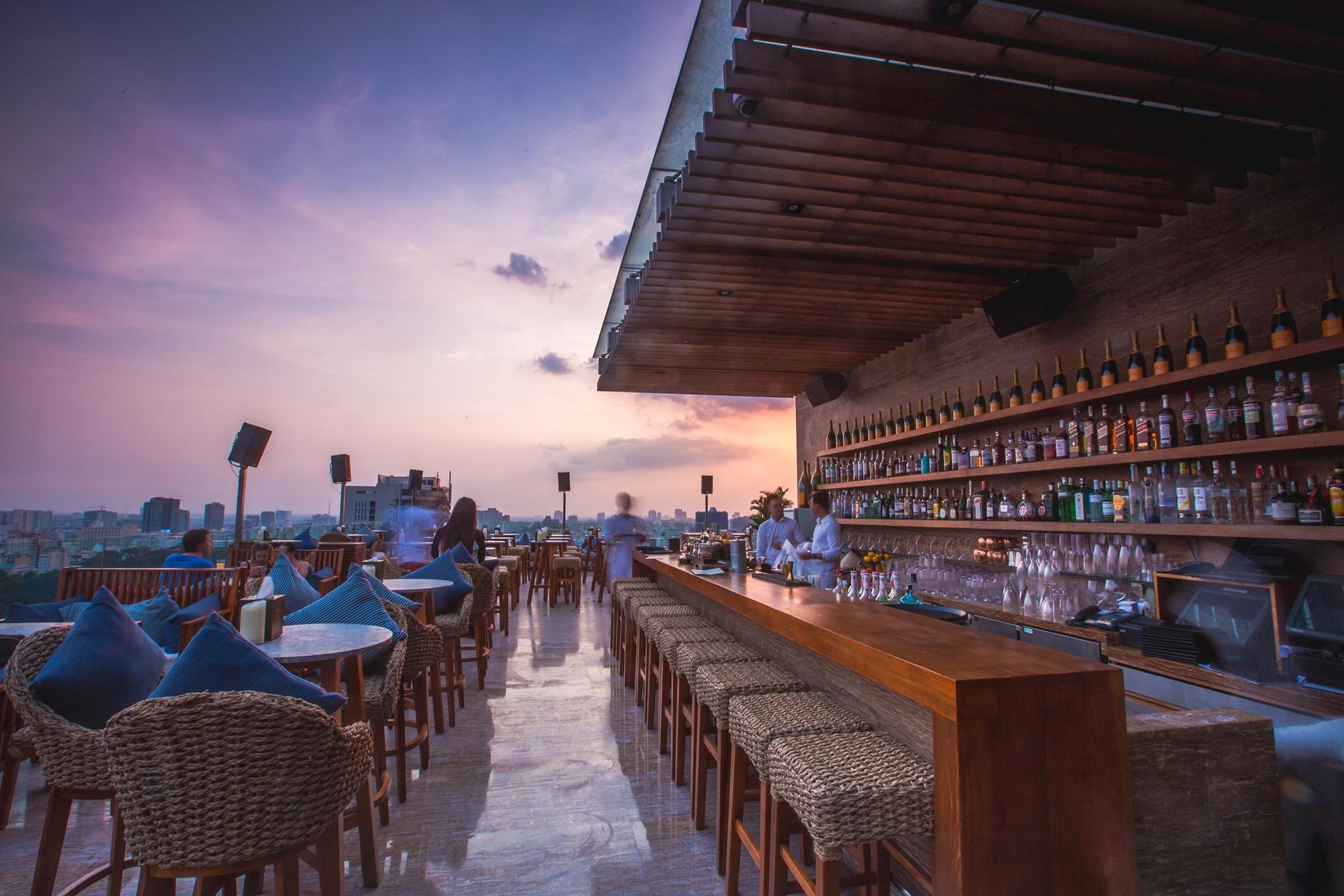 2n1d-o-hotel-des-arts-mien-phi-cocktails-va-mini-bar-chi-1599000-vndkhach-ivivu-07