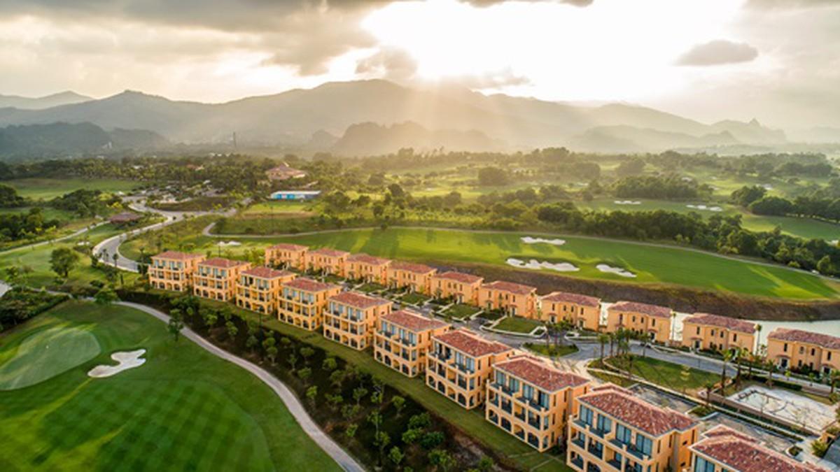 Wyndham-Sky-Lake-Resort-Villas-Ha-Noi-ivivu-1