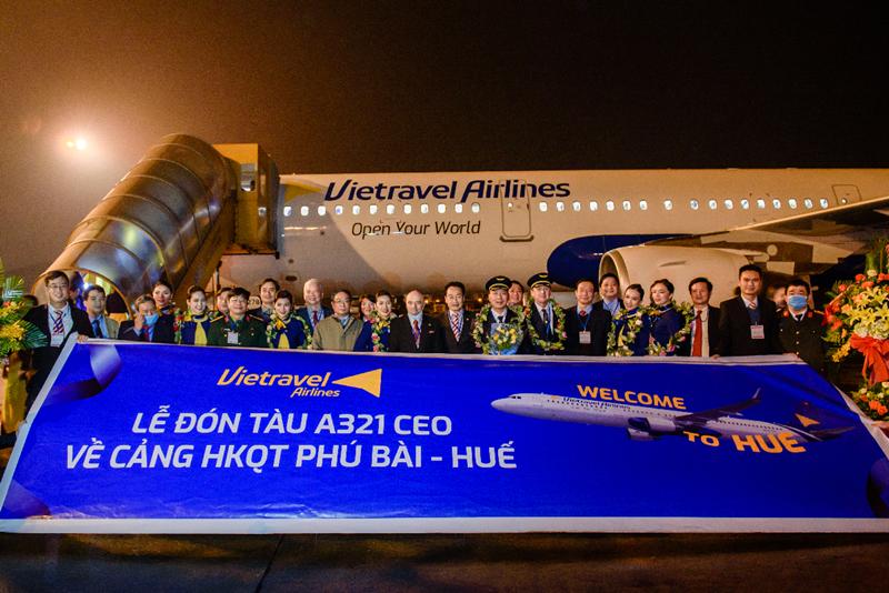 Chinh-thuc-ra-mat-hang-hang-khong-Vietravel-Airlines-ivivu-1