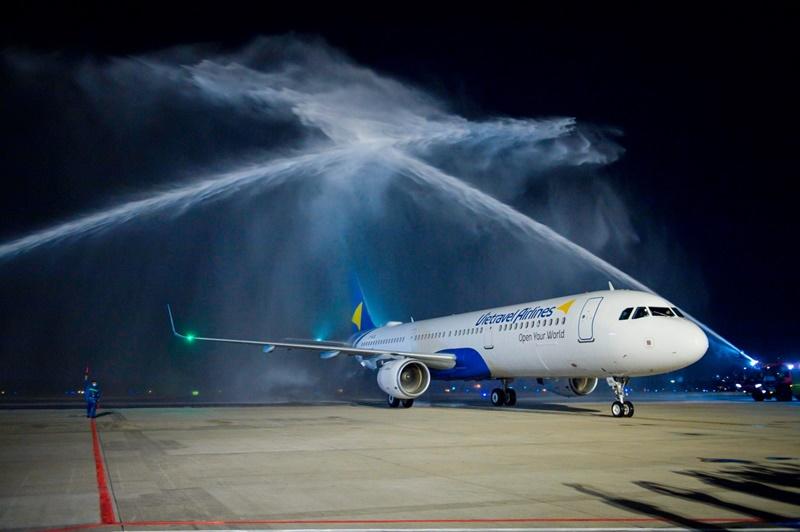 Chinh-thuc-ra-mat-hang-hang-khong-Vietravel-Airlines-ivivu-2