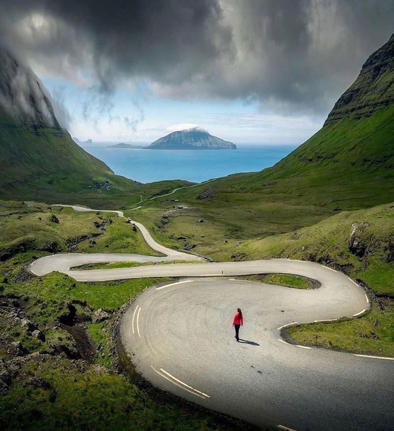 ghe-tham-nhung-ngoi-nha-mai-co-doc-dao-tren-quan-dao-Faroe-ivivu-3