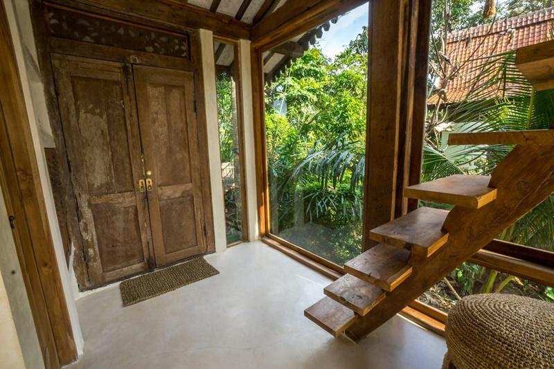 tan-huong-ky-nghi-tai-resort-giua-rung-ram-Skai-Joglo-Bali-ivivu-2