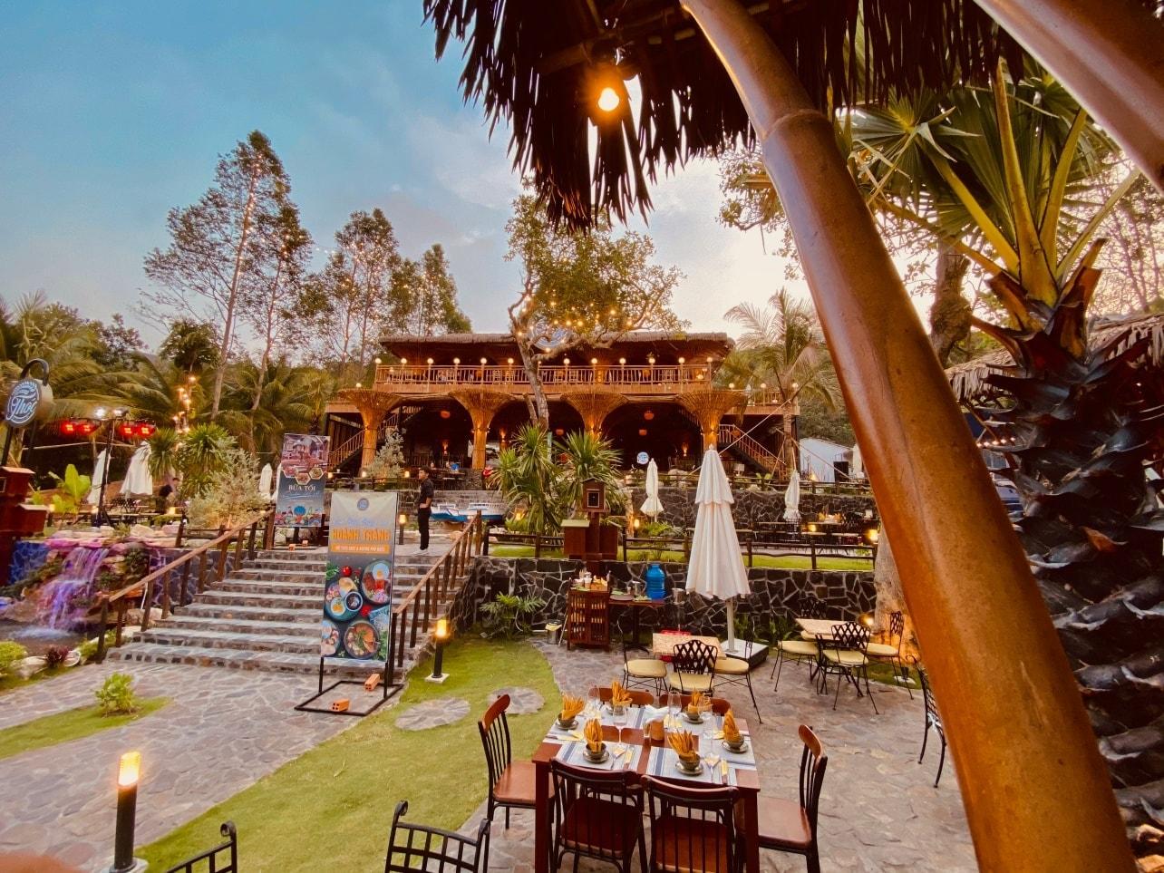 Thoc-Cafe-Bistro-Phu-Quoc-ivivu-2