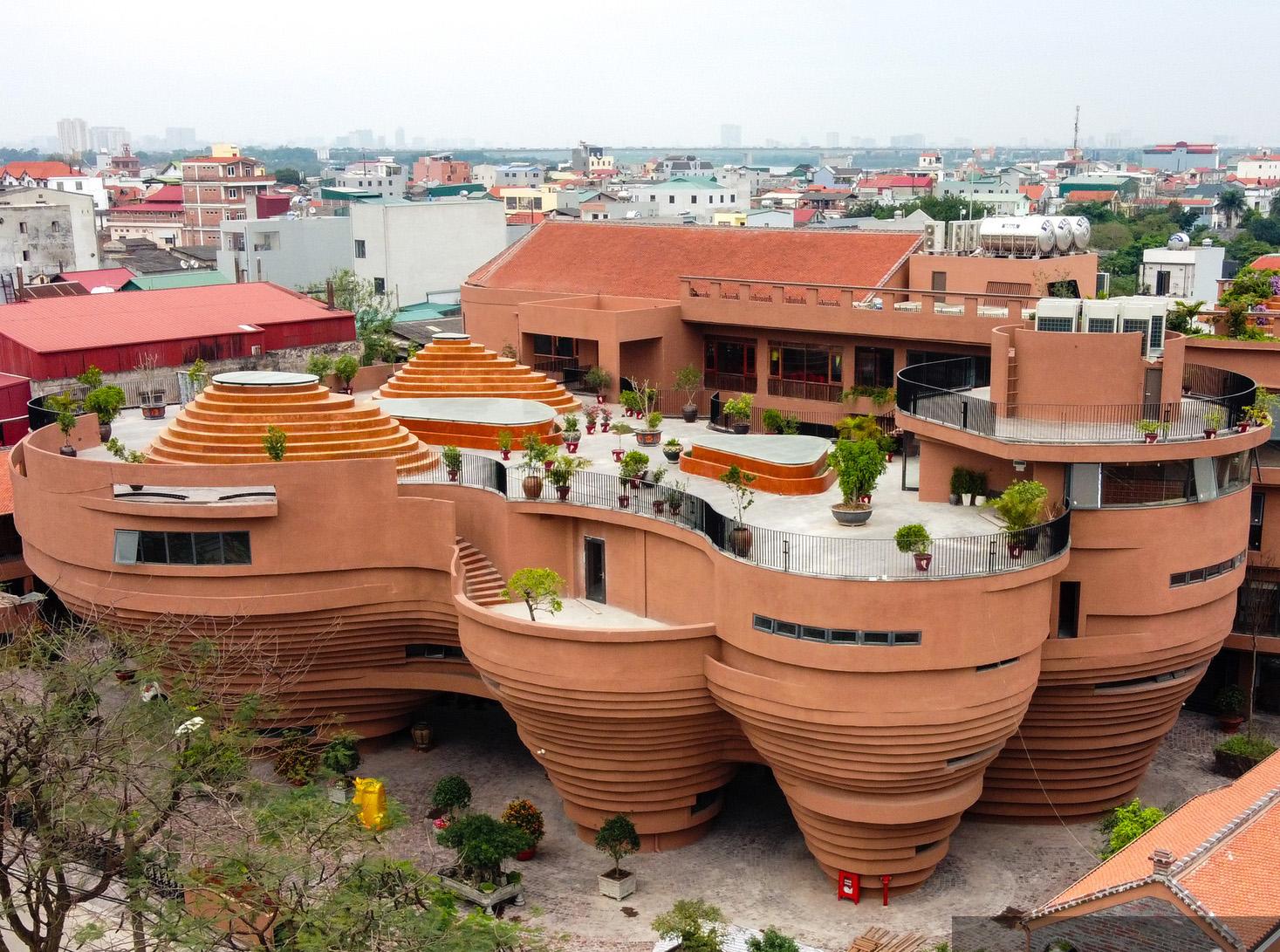 Trung tâm Tinh hoa Làng nghề Việt – công trình có kiến trúc độc lạ ở Việt Nam