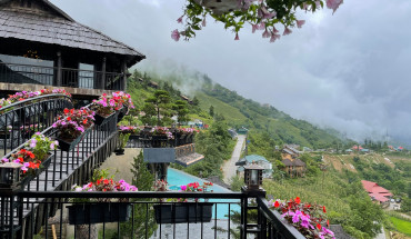 The-Mong-Village-Sapa-ivivu-5