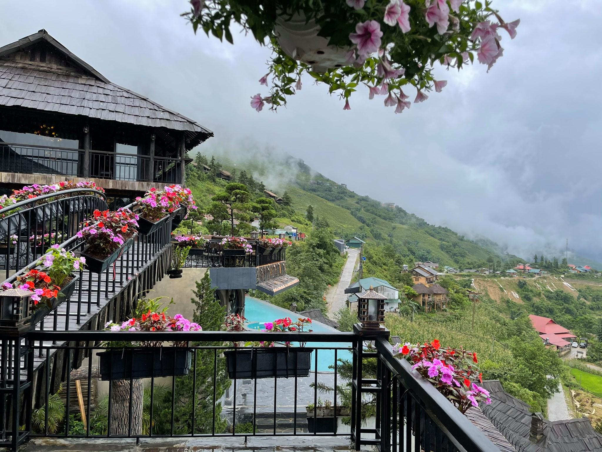 Định vị tọa độ The Mong Village, resort view ngắm Sapa thật yên bình