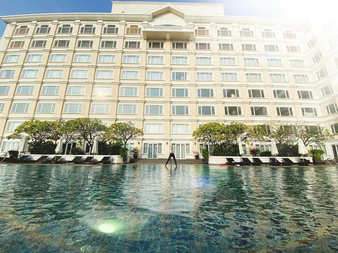 Cách ly an toàn tại khách sạn Equatorial Hồ Chí Minh + Ăn 3 bữa giá chỉ 1,5 triệu đồng/khách